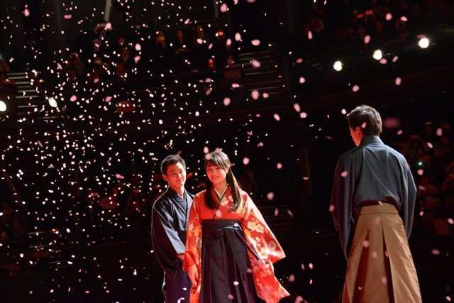 広瀬すずを野村周平&新田真剣佑が公開取り合い「俺が守る!」 舞台上の寸劇に観客興奮<ちはやふる-結び->