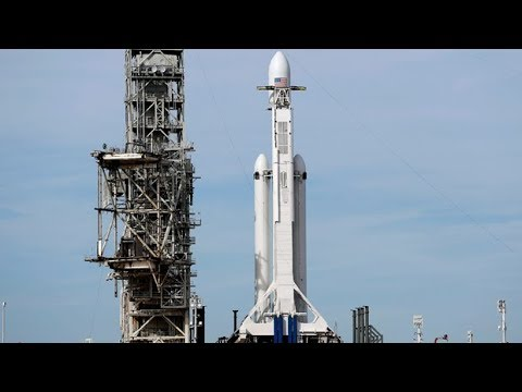 SpaceX Falcon Heavy launch - YouTube