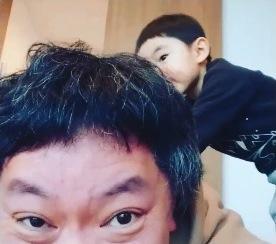 鈴木おさむ、息子がスーパーでヨーグルトを投げつける「さすがに厳しく注意しました」 - Ameba News [アメーバニュース]