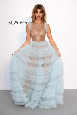 好みは一貫! レオナルド・ディカプリオの新恋人は20歳モデルのカミ・モローネ? (ELLEgirl) - Yahoo!ニュース