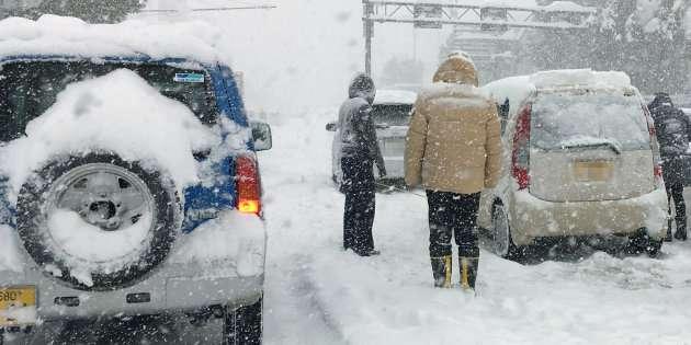 車内で19歳の男性死亡 大雪に閉じ込められて… 福井