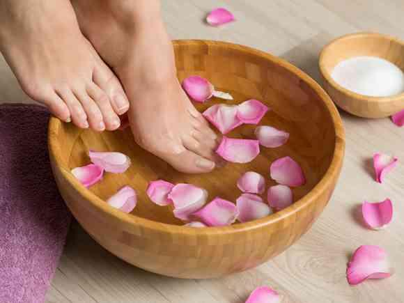 重曹足湯の効果と正しいやり方。もう足の臭いが気にならない!   女性の美学