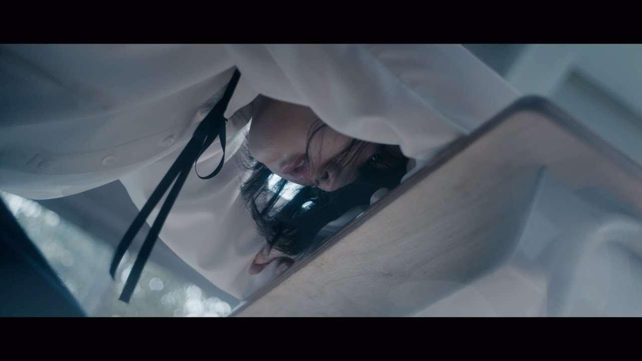 欅坂46 『エキセントリック』 - YouTube