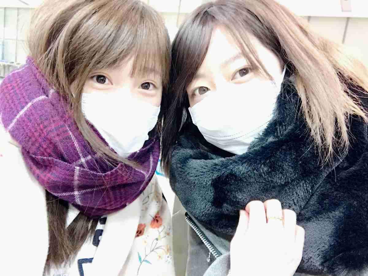 NMB48山本彩が川栄李奈のすっぴんを公開 「これ、誰⁉」と騒然