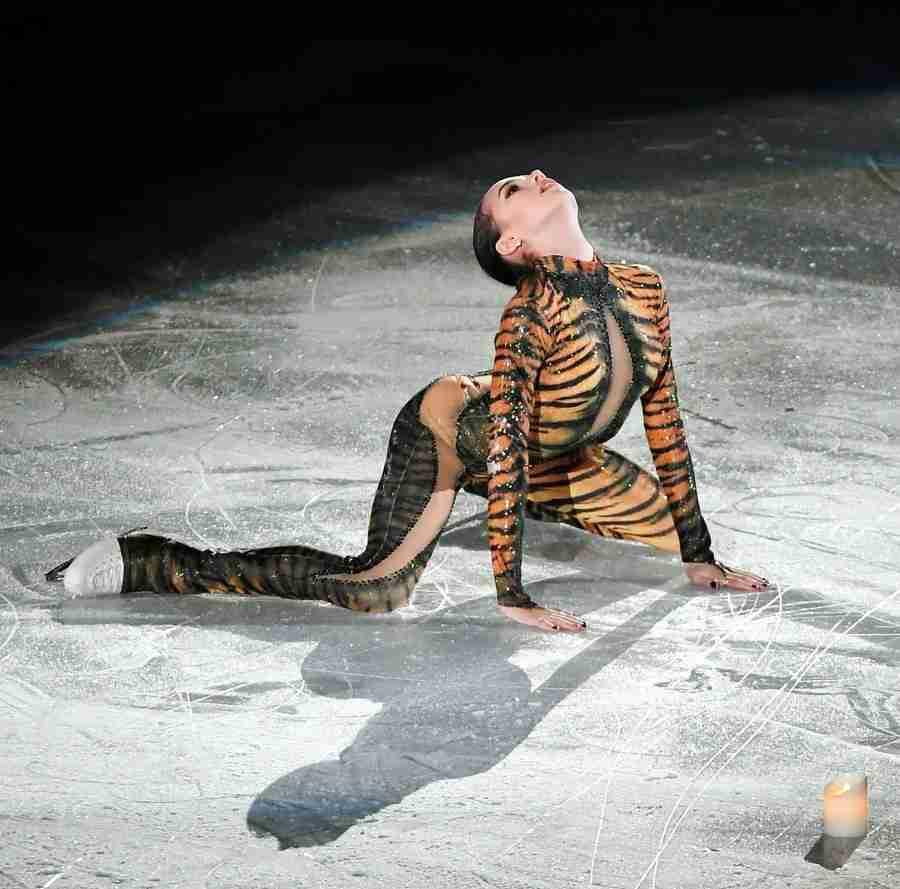 ファイナル女王のザギトワ妖艶な舞 トラ柄タイツで魅了 (デイリースポーツ) - Yahoo!ニュース