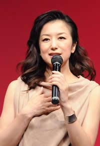 「ついに真田広之とゴール!?」鈴木京香が事務所辞めLAに豪邸購入 - エキサイトニュース