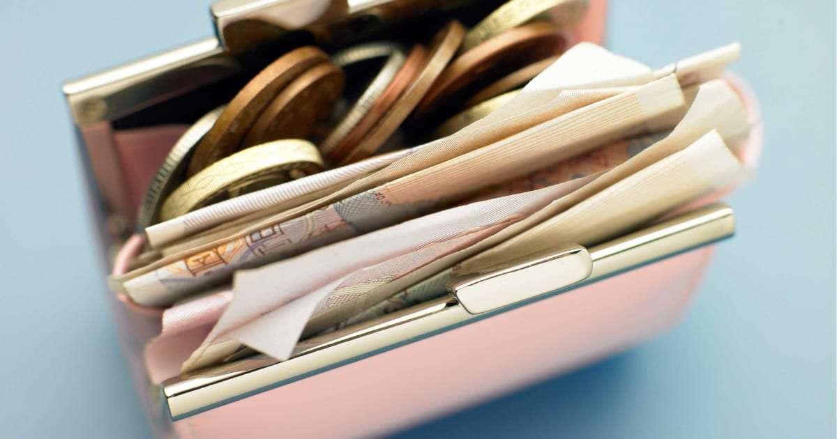 小銭でパンパンの財布ってどうなの? 「計算できないだけ」の厳しい声も – しらべぇ | 気になるアレを大調査ニュース!