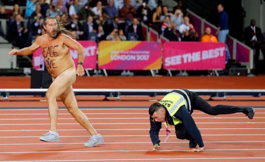 【平昌五輪】表彰式後に半裸男性が乱入 「白鳥の湖」踊る…5分間野放し