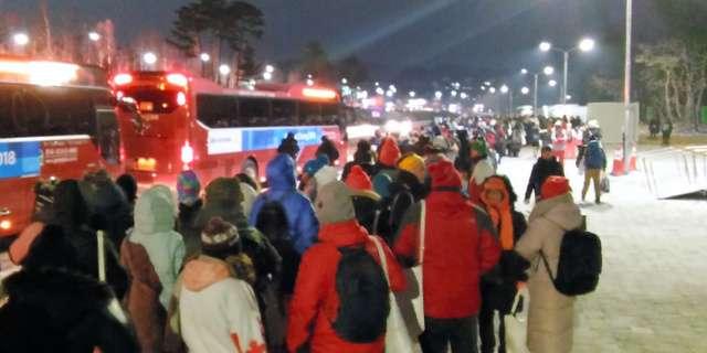 五輪開会式後、深夜に観客大混乱「電車は終わりました」 (朝日新聞デジタル) - Yahoo!ニュース