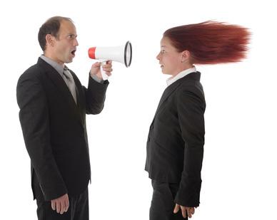 男性の怒鳴り声が怖い、トラウマの人