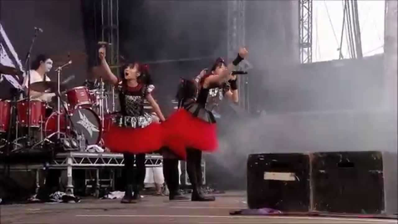 BABYMETAL - Gimme chocolate!! Live in Sonisphere Festival UK 2014 - YouTube