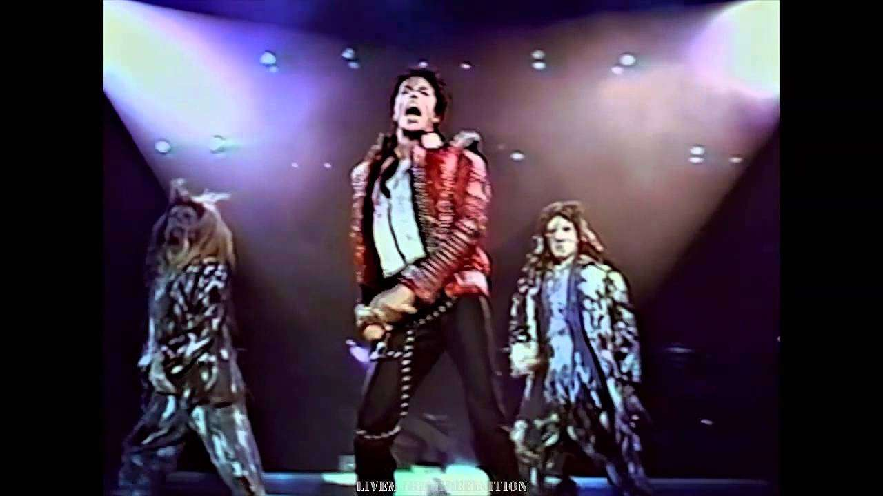 Michael Jackson - Thriller - Live Wembley 1988 - HD - YouTube