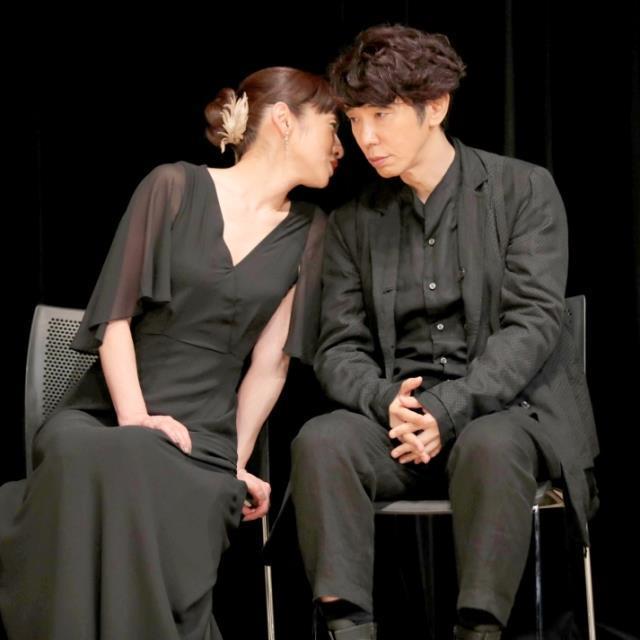 「キスするのかと思ったよ」授賞式でベテランカメラマンを戸惑わせた斉藤由貴の魔性 : スポーツ報知