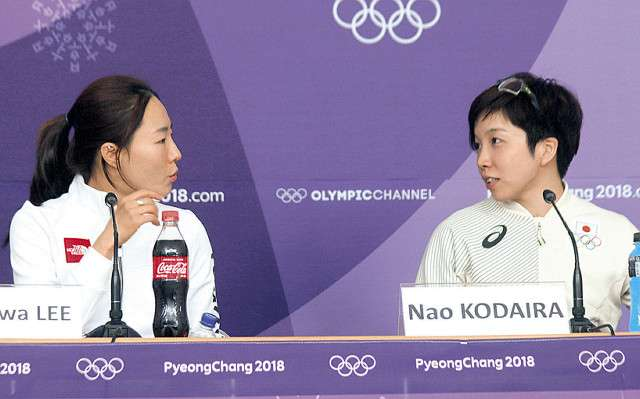 小平奈緒、李相花との抱擁を韓国メディアが絶賛 : スポーツ報知