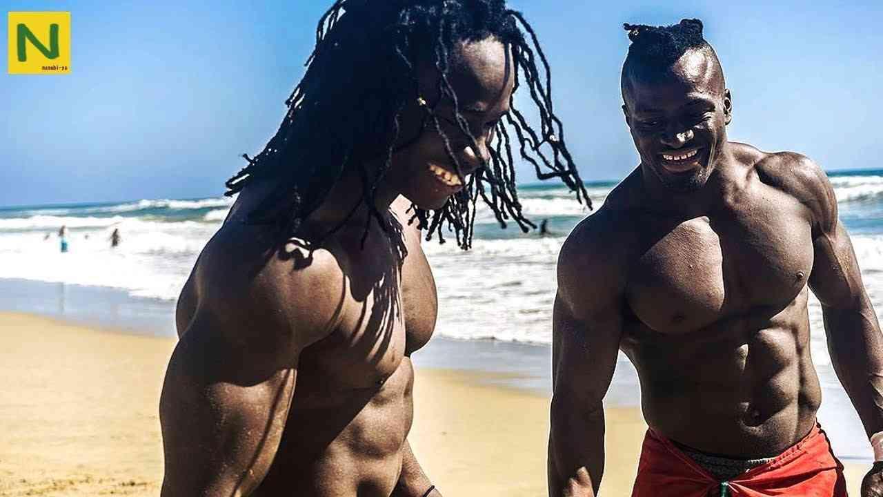 アフリカ人の身体能力と筋肉のエグさが分かる4分間 - YouTube