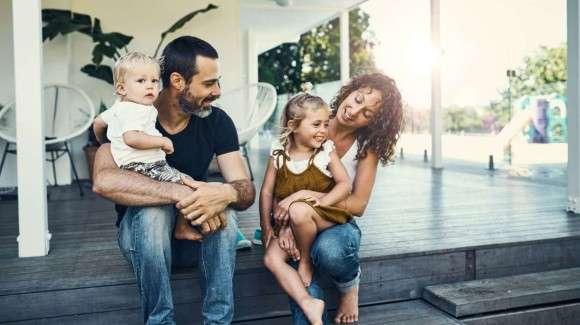 親は子どもに平等ではない。末っ子を一番かわいがる。祖父母は長子をかわいがる傾向があることが明らかに