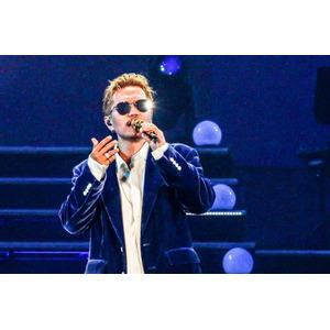 "ATSUSHIがソロ再始動ライブ、2年前声かすれる「悪夢」の汚名返""唱"""
