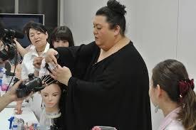 女性と男性の美容師、どちらがいいですか?