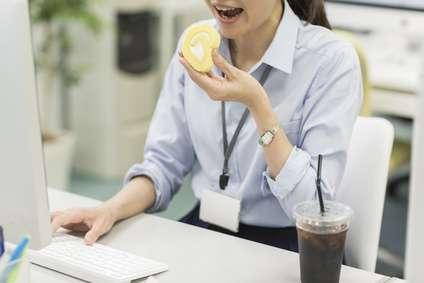 ジャンクフードや菓子類など「体臭が強くなる食べ物」4種を紹介 - ライブドアニュース