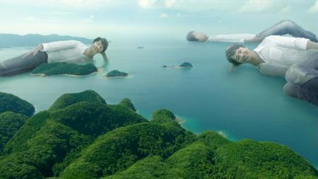 福山雅治が「安い仕事」を始めた?結婚による人気低下で「B級アクション」「島と一体化」など