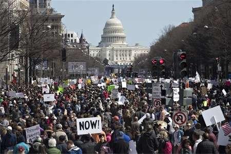 全米で100万人デモ=乱射受け「学校の安全」求める