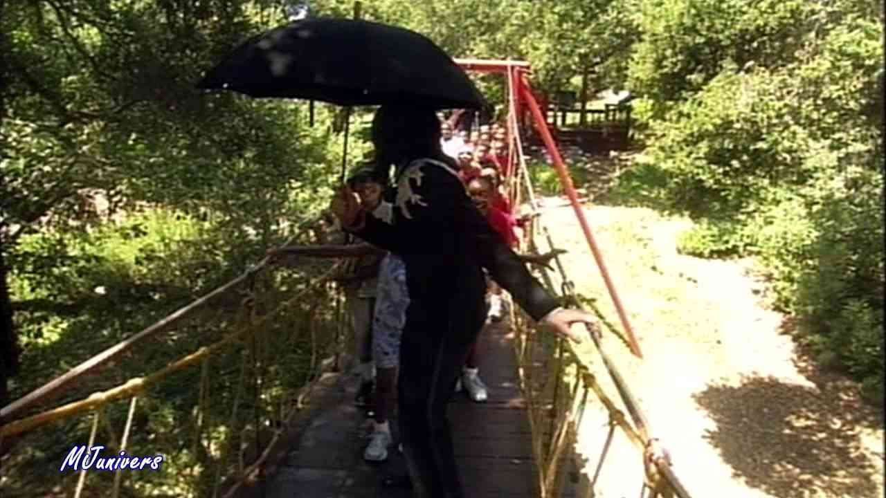 Michael Jackson In Neverland With Children - HD - YouTube