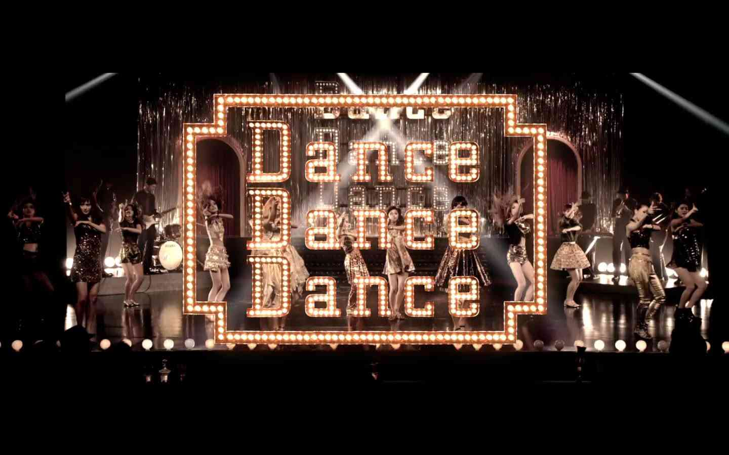 E-girls / Dance Dance Dance - YouTube
