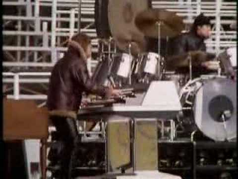 Emerson, Lake & Palmer - Fanfare For the Common Man - YouTube