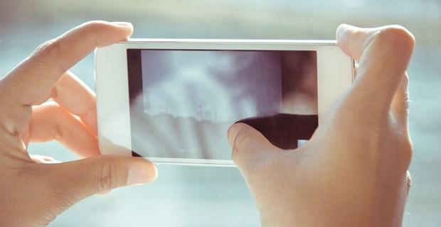『まさかここまでとは』カメラアプリの「補正力」を検証した2枚の比較画像に震える! | BUZZmag