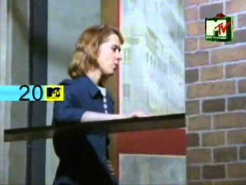 Tom's Diner -Suzanne Vega - YouTube