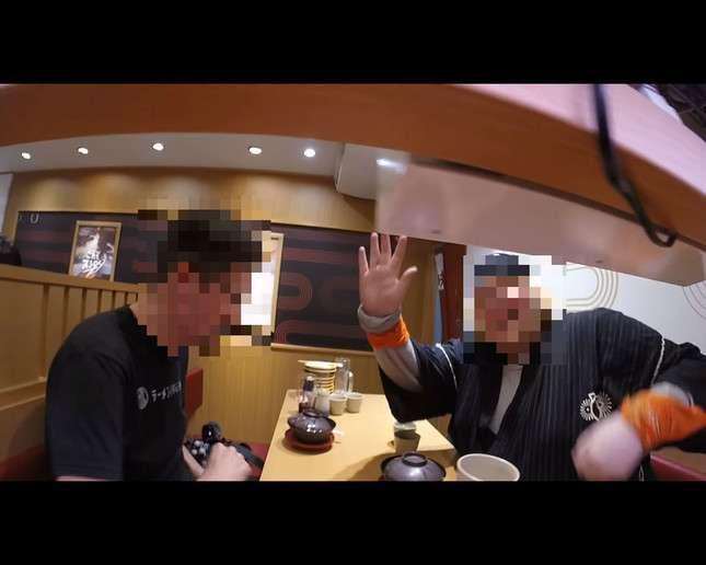 米YouTuber、今度はスシローで迷惑動画 回転寿司レールにカメラ置き無断撮影…