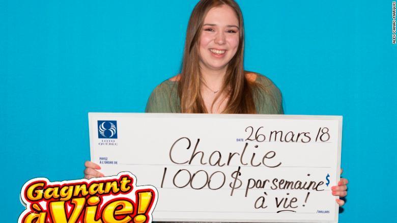 CNN.co.jp : 18歳女性、毎週1000ドルを一生もらえる 初購入の宝くじ
