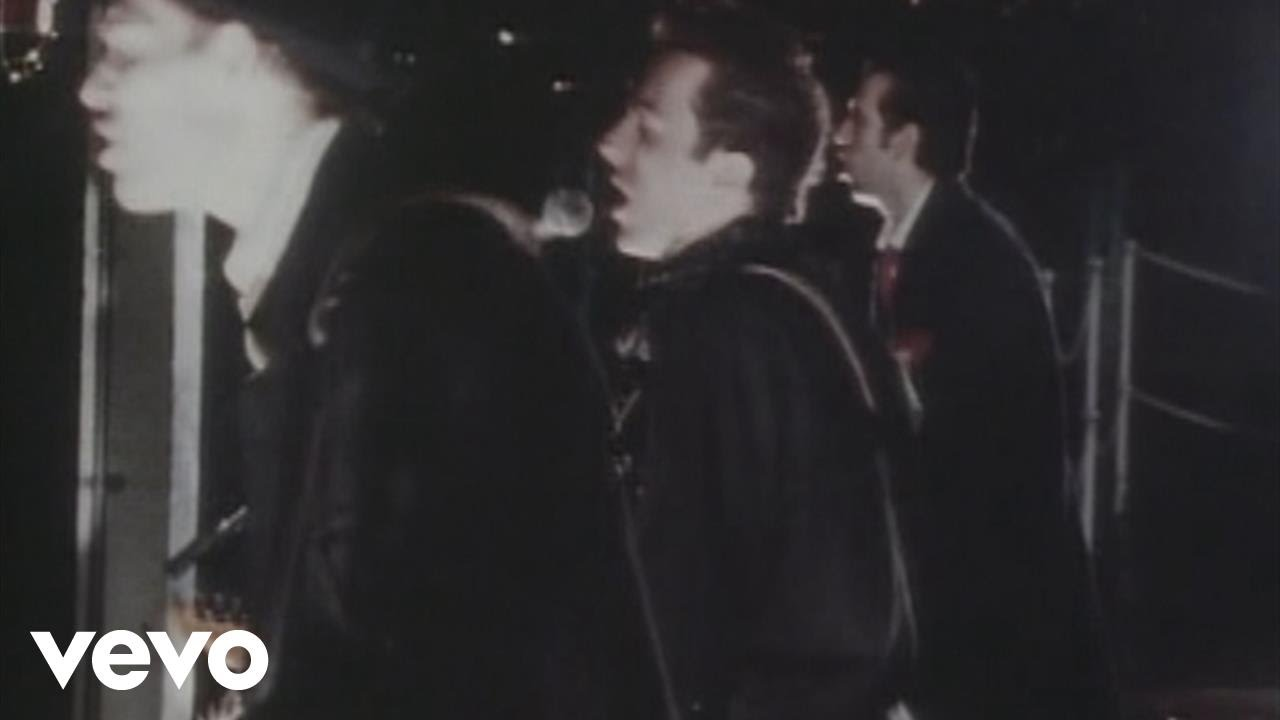The Clash - London Calling (Official Video) - YouTube