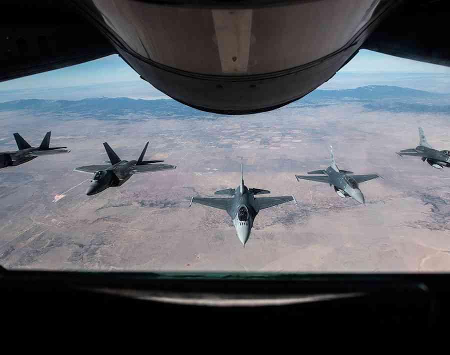 「米軍は6月に北朝鮮を爆撃する」副島隆彦と高永チョルが断言 (SmartFLASH) - Yahoo!ニュース