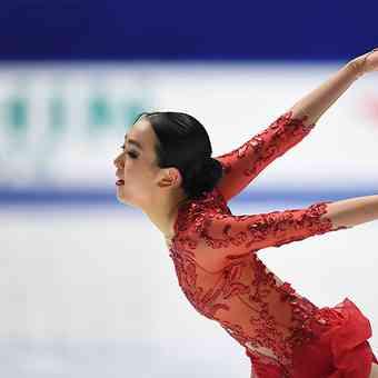 【浅田真央さん】美しい軌跡をフォトギャラリーで振り返ります。新ツアーはもうすぐ! |婦人画報