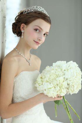 結婚式の髪色