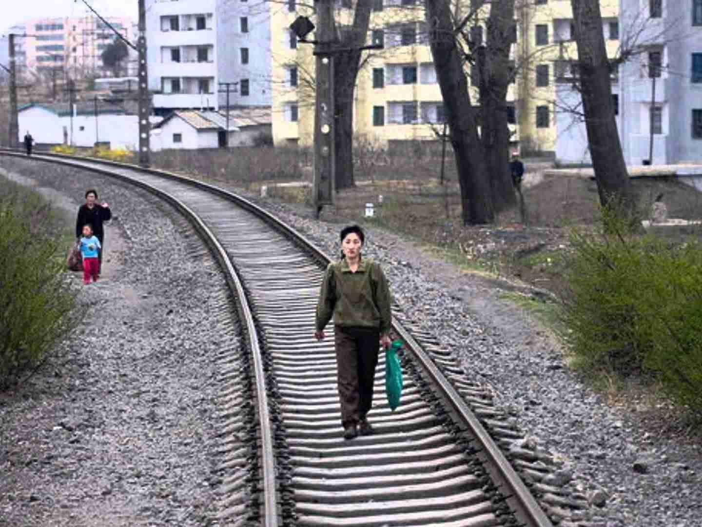 あこがれの北朝鮮 by THE TIMERS - YouTube
