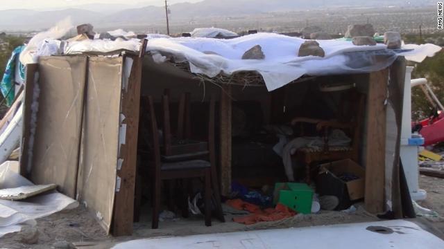 子ども3人、野外の「箱」で4年生活 両親を逮捕 米