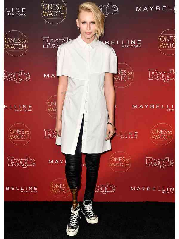 【ELLE】モデルのローレン・ワッサー、もう片方の脚も切断へ|エル・オンライン