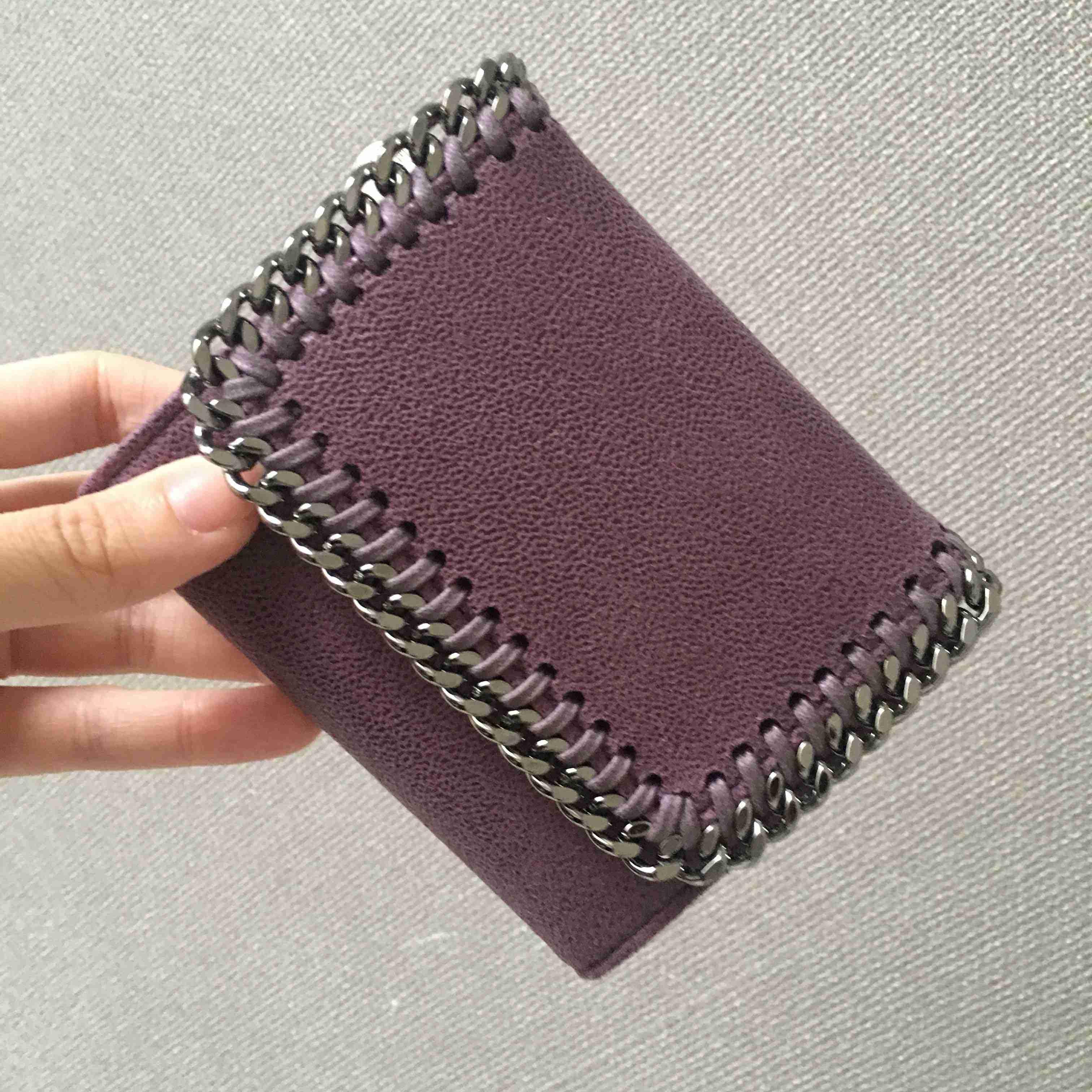 アラサーの財布の値段