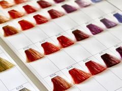 なぜ、カラーを入れると髪が傷むの? 女性にとって身近な「ヘアカラー」のお話