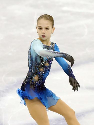 13歳トルソワV、女子初2度4回転ジャンプ決めた(日刊スポーツ) - goo ニュース