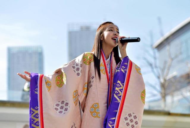 板野友美「結婚もしたい、子供も欲しい」 26歳、将来に悩む