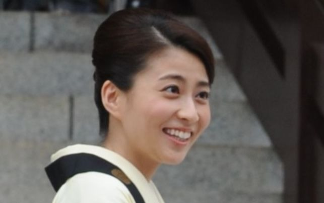 「愛してる」と言って亡くなった小林麻央さんの最期を作り話だという医師たち | 文春オンライン