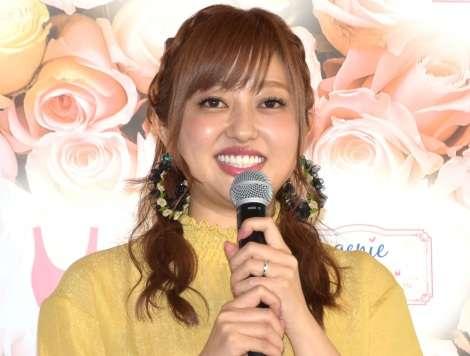 菊地亜美、遠距離の新婚生活も「大変とかはない」 年内挙式に向け準備着々   ORICON NEWS
