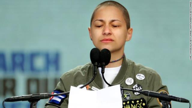 演説での「6分20秒」の沈黙に全米衝撃 銃乱射を生き延びた高校生