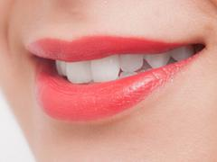 自己流の歯磨き、ホワイトニングには気を付けて! 着色汚れ「ステイン」を除去するには