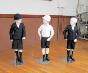泰明小「在校生もアルマーニ着せたい」保護者から続々