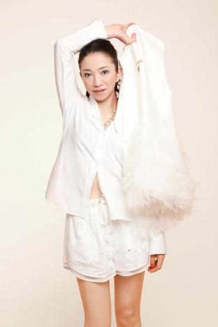 ドリカム吉田、19歳年下のロック歌手と結婚 相方・中村も祝福   ORICON NEWS