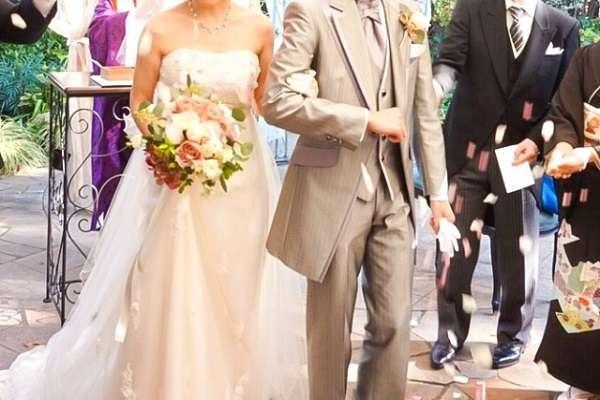 「彼氏が休めないから挙式できない」女性の悲痛な叫び 「社畜と結婚して幸せか?」「結婚式が面倒なだけ」